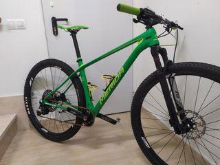 MTB Carbono 29 Full XT como nueva y ligerísimo.