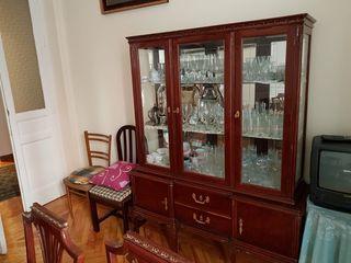 Mueble vitrina clásico salón