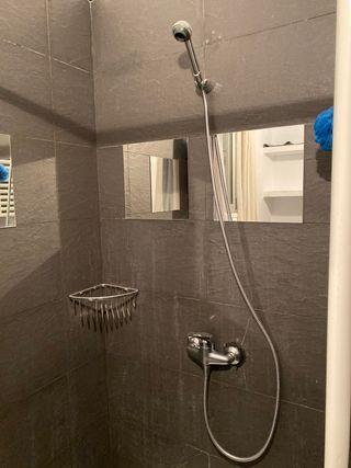 Grifo de ducha con alcachofa