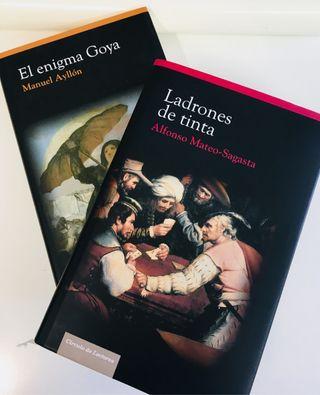 Pareja de libros de novela histórica