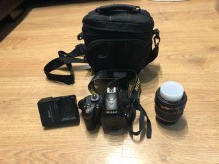 Nikon 3200 con objetivo 18-55 negociable