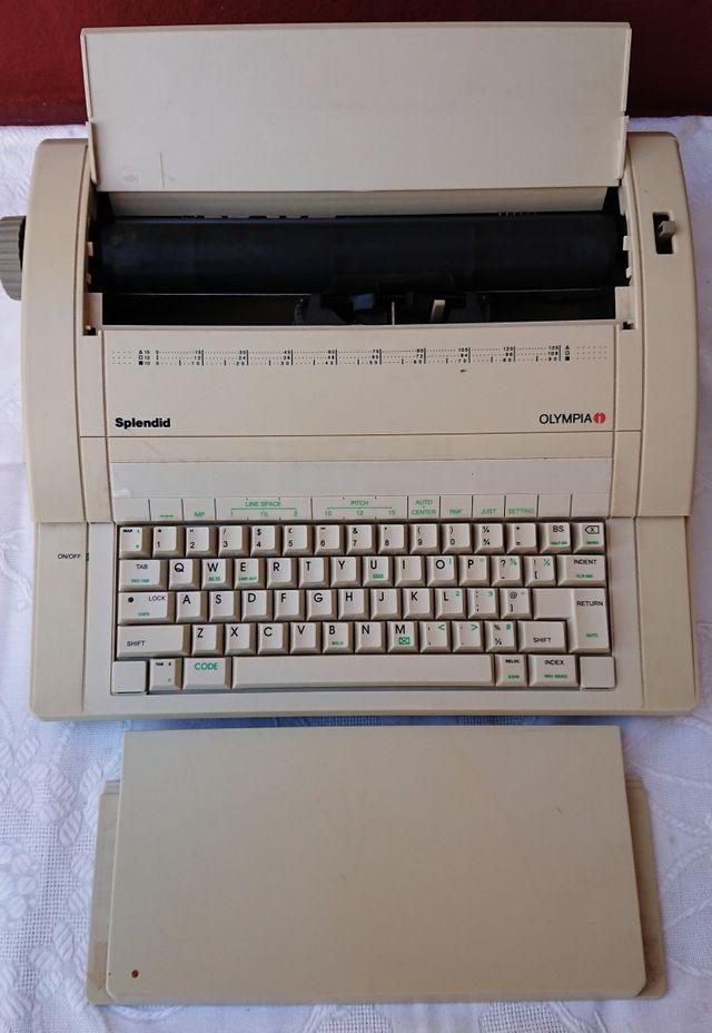 maquina de escribir eléctrica teclado antigüedad