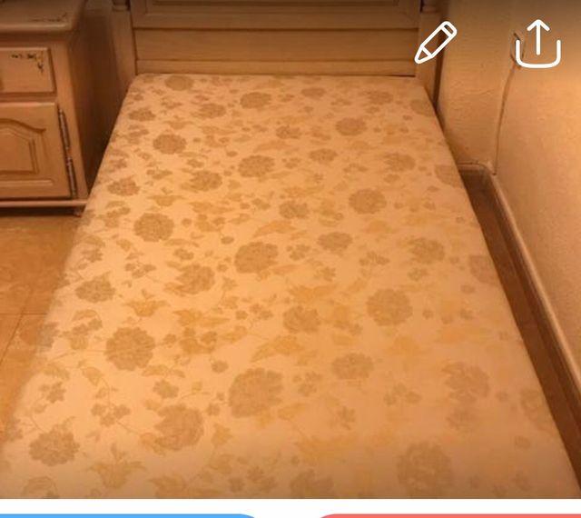 Canapé arcón tapizado . Rebajado!!!