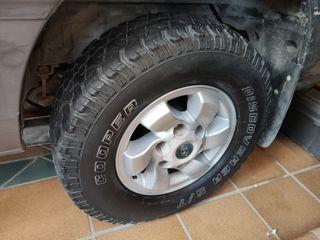 "4 llantas 15"" con neumáticos"