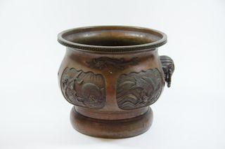 Jardinera japonesa en bronce (1868-1912)
