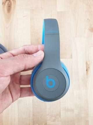 Beats by Dre Solo2 headphones (bluetooth wireless)