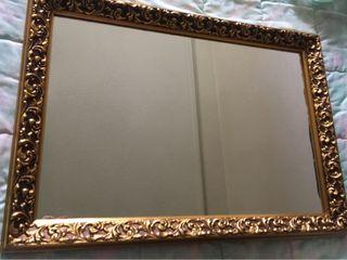 Espejo clasico dorado