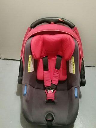 Silla para coche bebé.