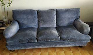URGE. Vendo sofá de tres plazas y dos sillones