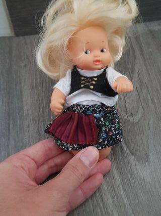 muñeca famosa barriguita
