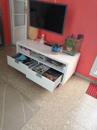 mueble de tv en blanco ikea besta jagra
