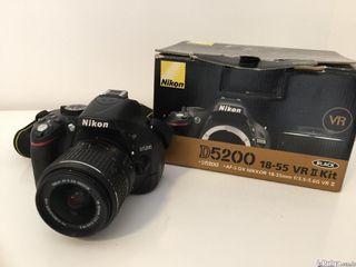 Nikon D5200 18-55 Nueva (perfecto estado)