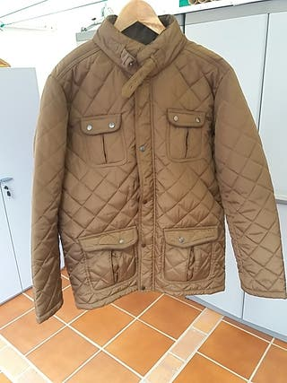 Chaqueta tipo Barbour.