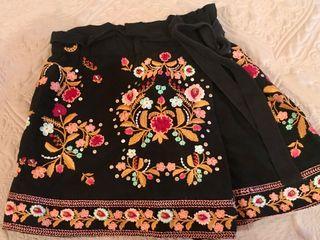 Falda pantalón detalles colores