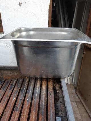 cubitera de acero inocidable 15 €