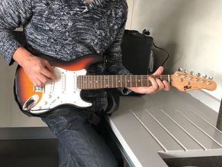 Guitarra eléctrica volt para niño con amplificador