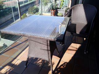 mesa y sillas para terraza o jardin