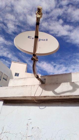 Antena parabólica Engel