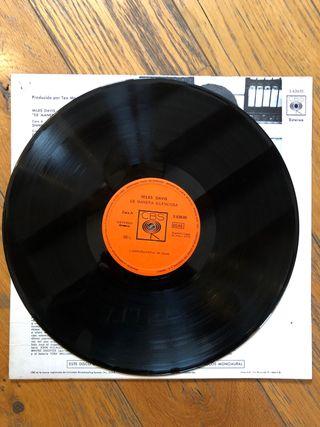Vinilo LP. MILES DAVIS - In a silent way -