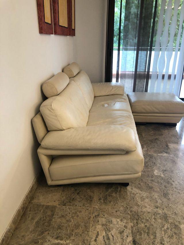 Sofá de piel Natuzzi Beig
