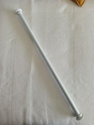 Barra regulable para cortina de baño