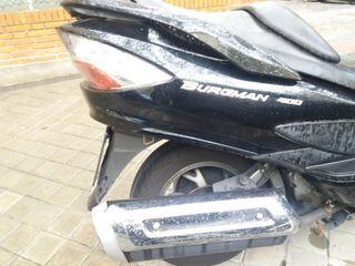 Moto Suzuki Burgman 400 Negra