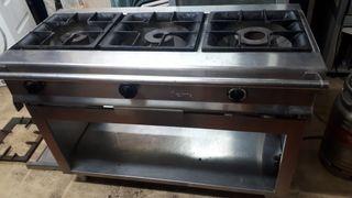 Cocina industrial de 3 fuegos o 2 fuegos +plancha