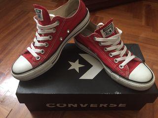 Converse rojas