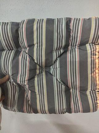 Cojín de silla gris de Ikea 38x38cm