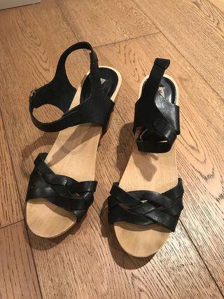 Zuecos madera Massimo Dutti talla 39