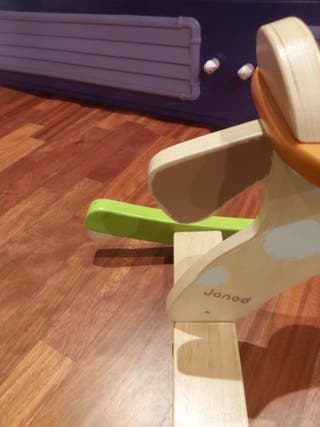 caballito balancin de madera de Janod
