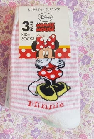 3 calcetines d Minnie mouse SIN ESTRENAR. N° 26-30