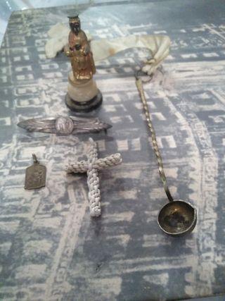Varios objetos religiosos
