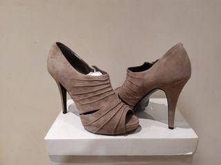 zapatos de ante color nude talla 38