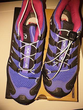 zapatillas salomon ( nuevas sin usar)
