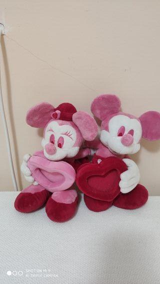 Minnie y Mickey. Peluches