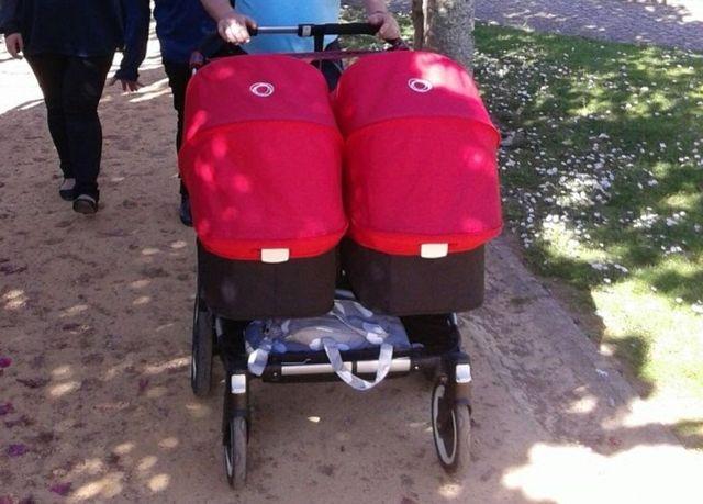 Bugaboo donkey roja. Silla gemelar