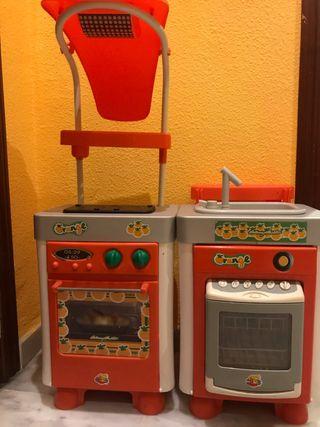 Cocinita infantil con luz y sonidos.