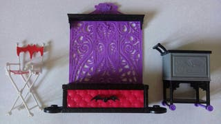 LOTE MUEBLES MONSTER HIGH