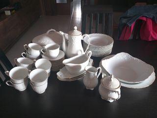 Vajilla de porcelana y juego de café