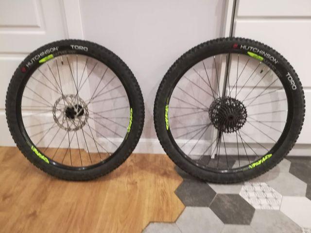 Neumáticos Hutchinson TORO 27,5 x 2,25