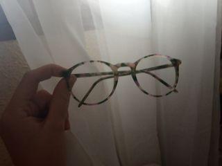 montura de gafas