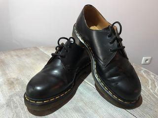 Zapato Dr Martens negro