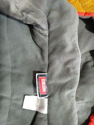 abrigo para eschiar muy buena calidad