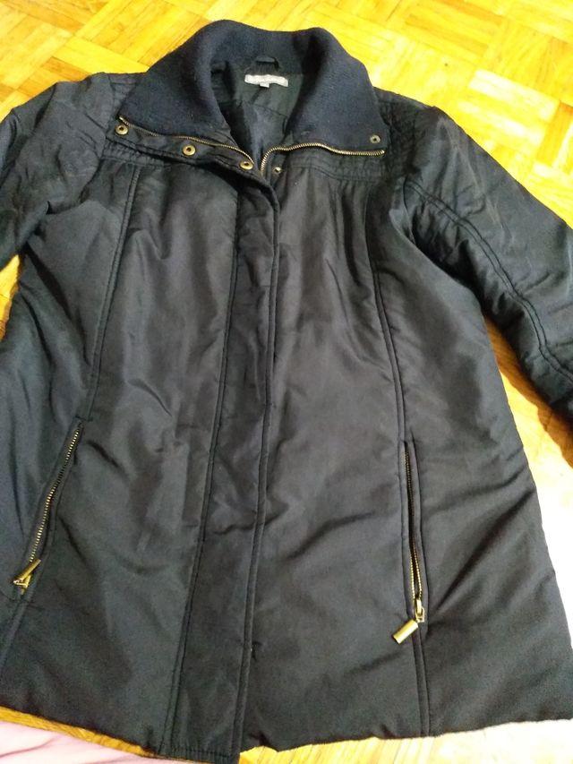 abrigo de muy alta calidad en muy buen estado