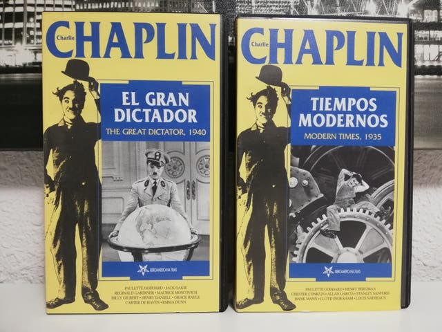 2 PELÍCULAS VHS 'CHARLIE CHAPLIN'