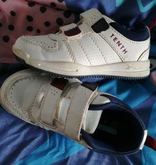 Zapatillas deportivas niño/a, talla 25, usadas