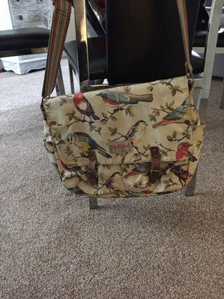 DESIGNER BAGS LADIES TAKE A LOOK