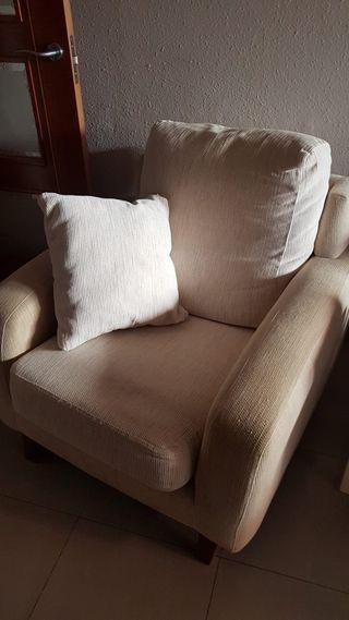 Sofá 3 plazas + sillón + regalo puff
