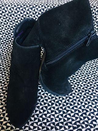 Jones Bootmaker suede boots